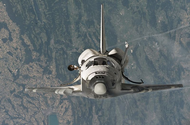 Photo of Space Shuttle Discovery from wikipedia